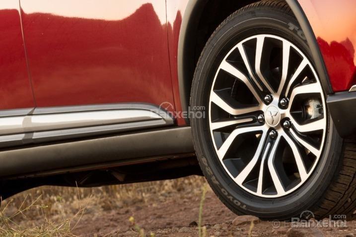 Đánh giá xe Mitsubishi Outlander Sport 2016: La-zăng đa chấu, thiết kế mới.