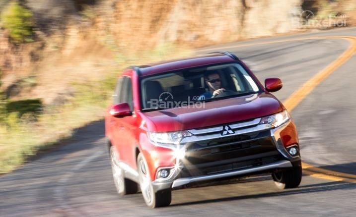 Mitsubishi Outlander Sport 2016 được kỳ vọng sẽ cho cảm giác lái thể thao hơn người tiền nhiệm.