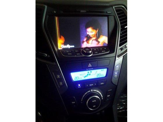 Cần bán lại xe Hyundai Santa Fe sản xuất 2013, màu trắng, xe nhập, xe gia đình-1