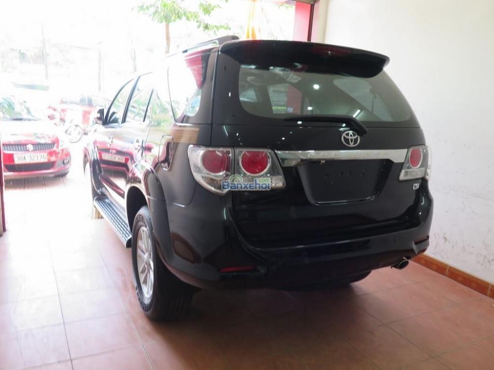 Cần bán lại xe Toyota Fortuner 2.7V 4x2 đời 2013, màu đen -3