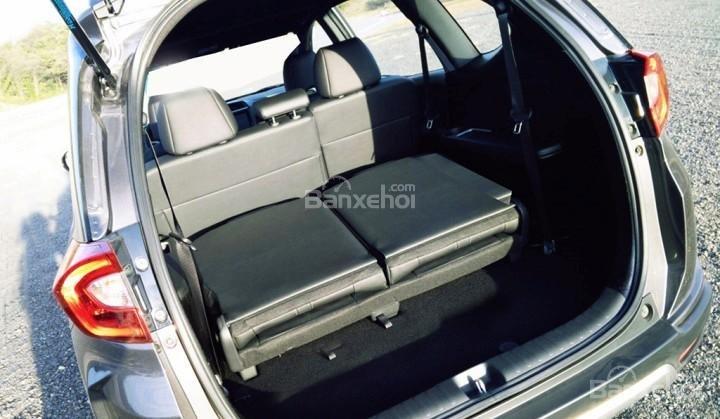 Đánh giá xe Honda BR-V 2016: Không gian khoang hành lý của Honda BR-V 2016 có thể thay đổi linh hoạt, đáp ứng nhu cầu của người sử dụng.