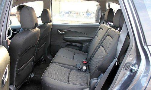 Đánh giá xe Honda BR-V 2016: Các ghế ngồi của Honda BR-V 2016 được thiết kế theo kiểu 2-3-2.