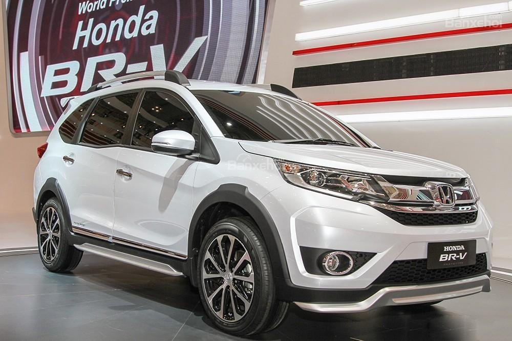 Sự kết hợp giữa phong cách SUV và MPV là những gì người ta thấy được khi đánh giá xe Honda BR-V 2016.