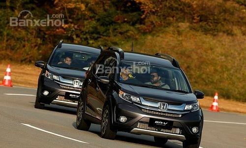 Đánh giá xe Honda BR-V 2016: Xe phù hợp với gia đình có nhiều thành viên, yêu thích sự rộng rãi.