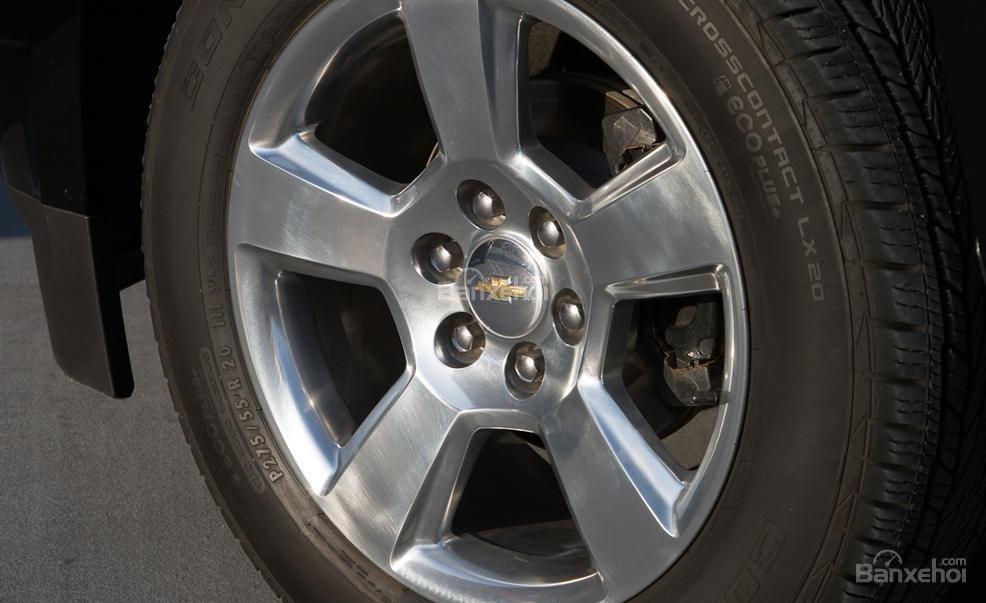 Đánh giá xe Chevrolet Tahoe 2016: Phiên bản tiêu chuẩn được trang bị mâm 18 inch