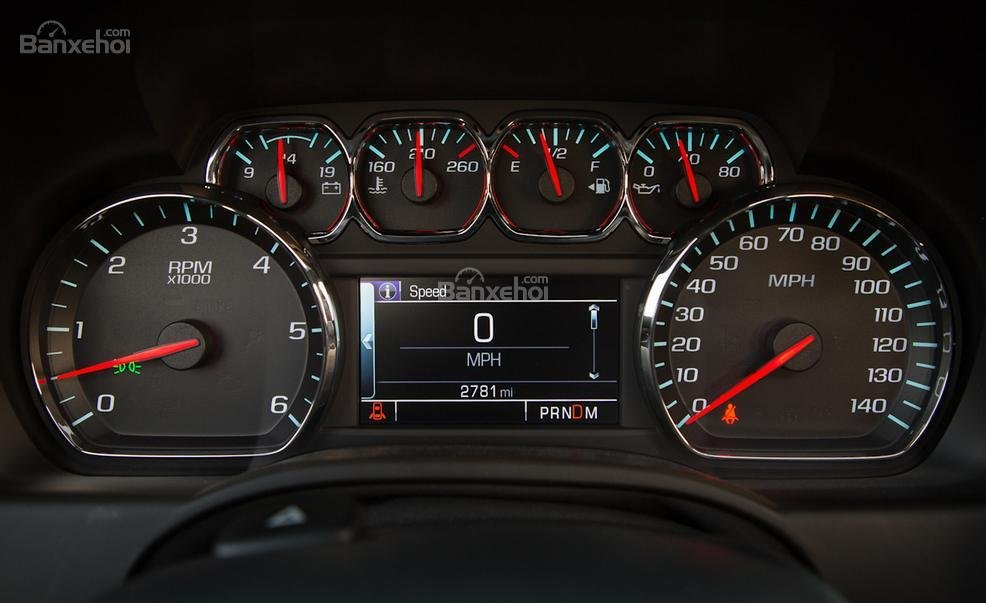 Đánh giá xe Chevrolet Tahoe 2016: Đồng hồ xe có thiết kế khá đẹp mắt