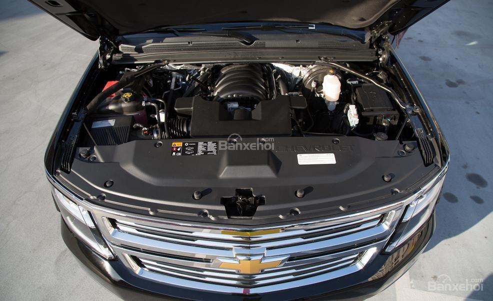 Đánh giá xe Chevrolet Tahoe 2016: Xe sử dụng hệ dẫn động cầu sau có sẵn