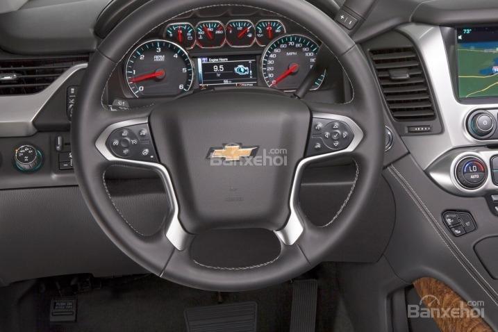 Đánh giá xe Chevrolet Tahoe 2016: Vô lăng xe bọc da