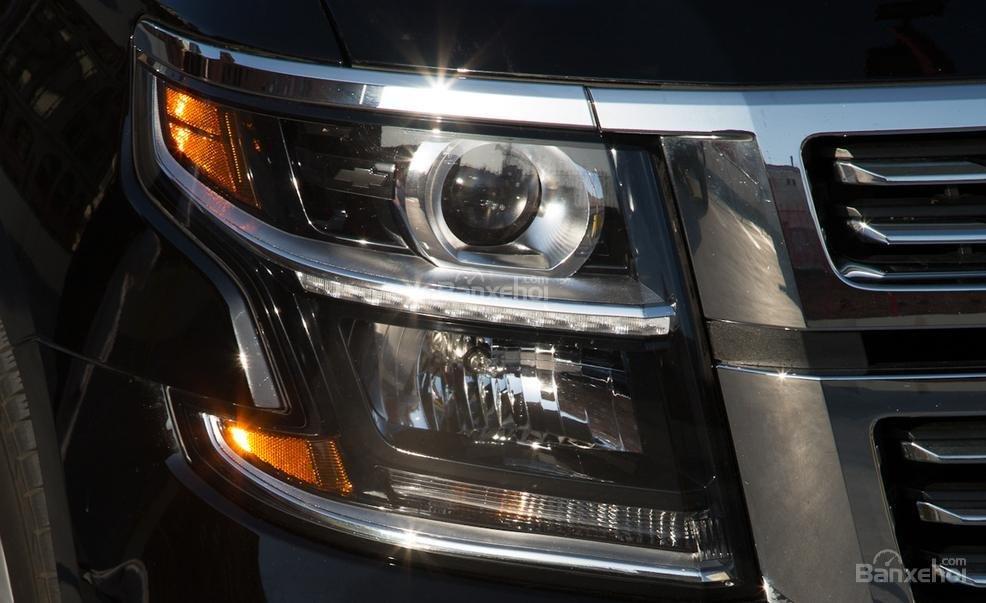 Đánh giá xe Chevrolet Tahoe 2016: Thiết kế đèn pha cá tính