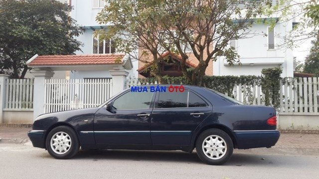 Bán Mercedes E230 1998, màu đen, xe nhập-2