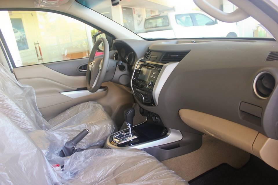 Cần bán xe Nissan Navara VL sản xuất 2015, màu trắng, nhập khẩu-7