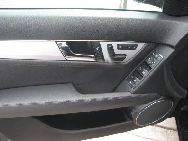 Cần bán lại xe Mercedes 2009, màu đen, xe đẹp -2