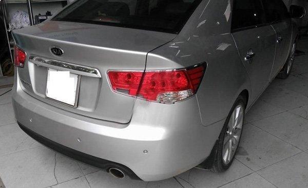 Cần bán gấp Kia Cerato 2011, màu bạc, xe nhập-2