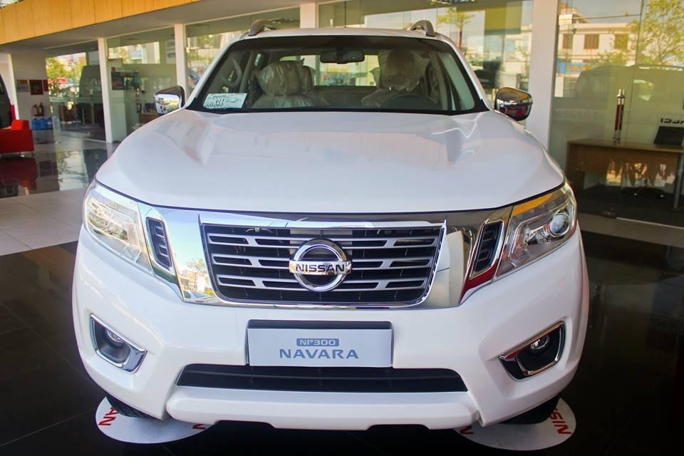 Cần bán xe Nissan Navara VL sản xuất 2015, màu trắng, nhập khẩu-1