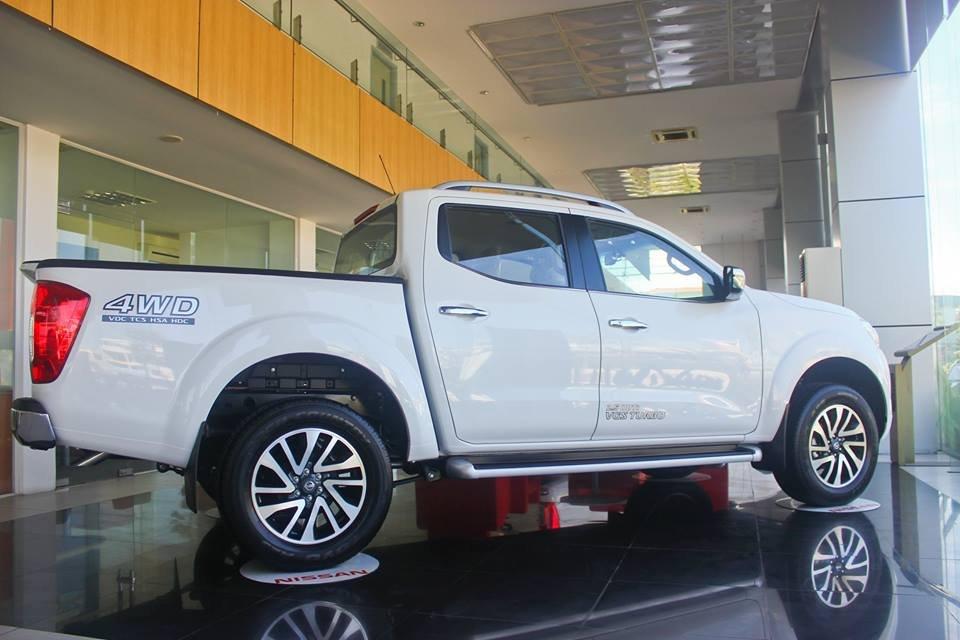 Cần bán xe Nissan Navara VL sản xuất 2015, màu trắng, nhập khẩu-2