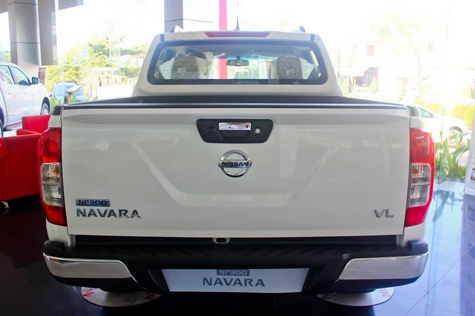 Cần bán xe Nissan Navara VL sản xuất 2015, màu trắng, nhập khẩu-3