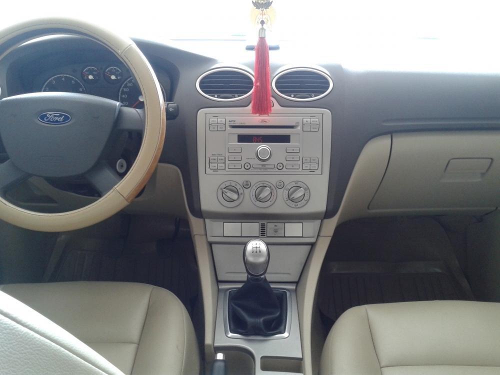 Cần bán lại xe Ford Focus 1.8 MT đời 2011, màu hồng phấn, như mới -4