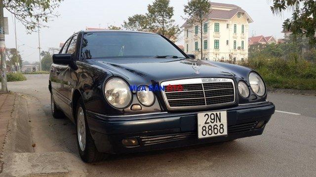 Bán Mercedes E230 1998, màu đen, xe nhập-0