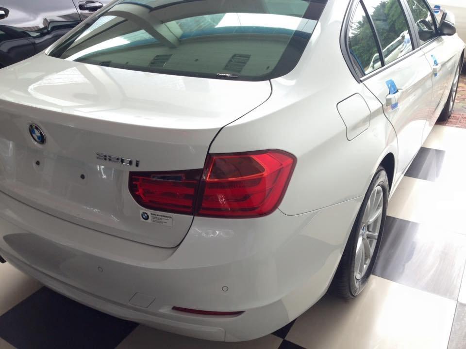 Xe BMW 320i sản xuất 2012, màu trắng, nhập khẩu-6