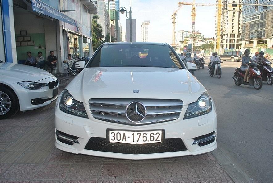 Showroom Hưng Phát Auto cần bán lại xe Mercedes đời 2014, màu trắng, xe nhập-1