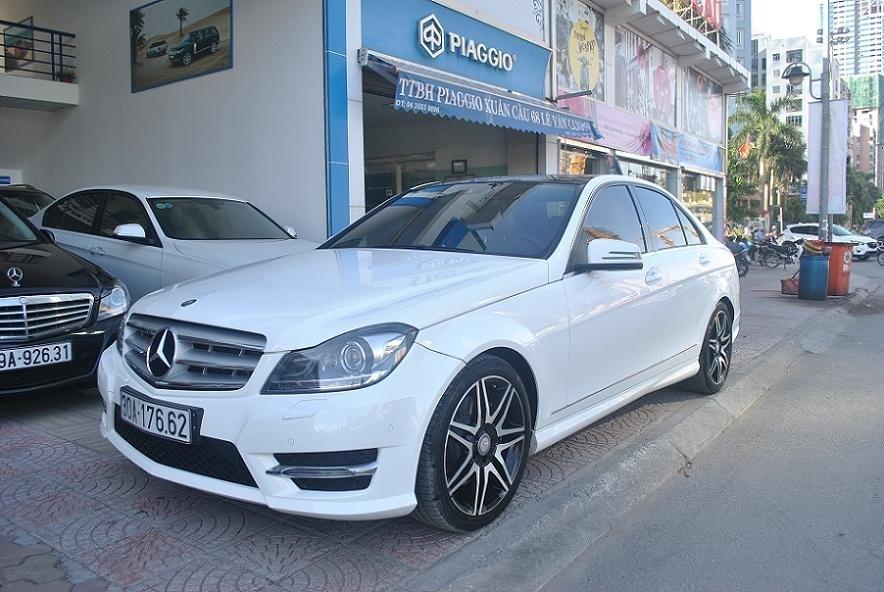 Showroom Hưng Phát Auto cần bán lại xe Mercedes đời 2014, màu trắng, xe nhập-0