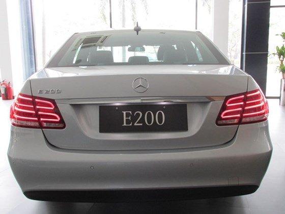 Thanh toán trước 608 triệu để mua xe Mercedes E200 mới 100% 2015-3