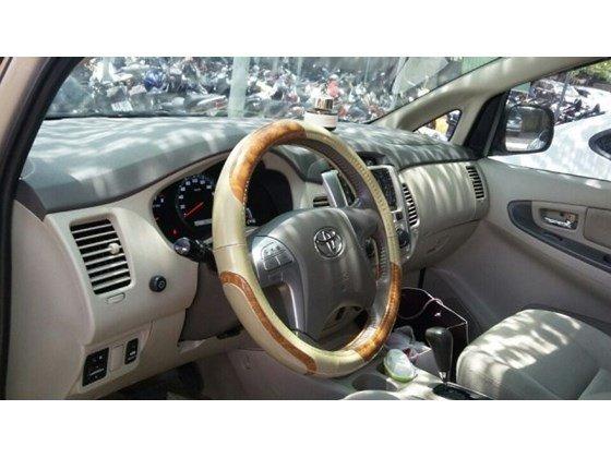 Cần bán Toyota Innova G AT đời 2012, màu vàng, nhập khẩu chính hãng, đẹp như mới-6