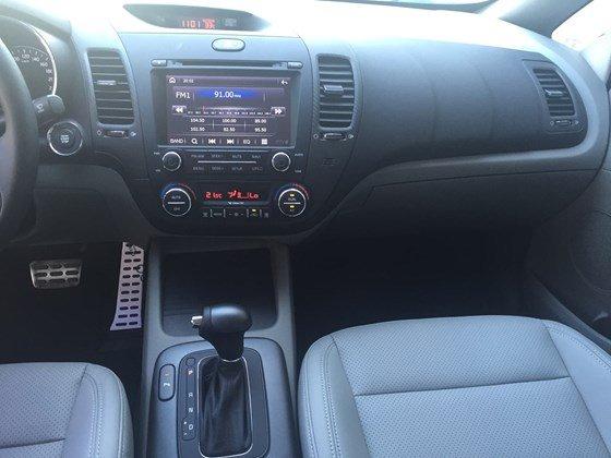Bán ô tô Kia Optima đời 2015, màu trắng, xe nhập, giá 675tr-8
