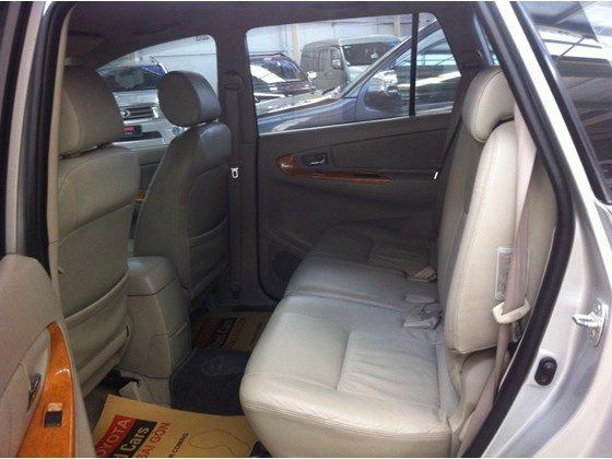 Xe Toyota Innova V 2010, màu bạc, nhập khẩu nguyên chiếc, số tự động, giá 635tr-3