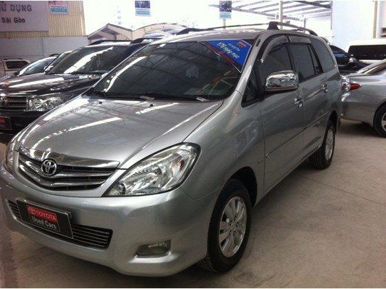 Xe Toyota Innova V 2010, màu bạc, nhập khẩu nguyên chiếc, số tự động, giá 635tr-0