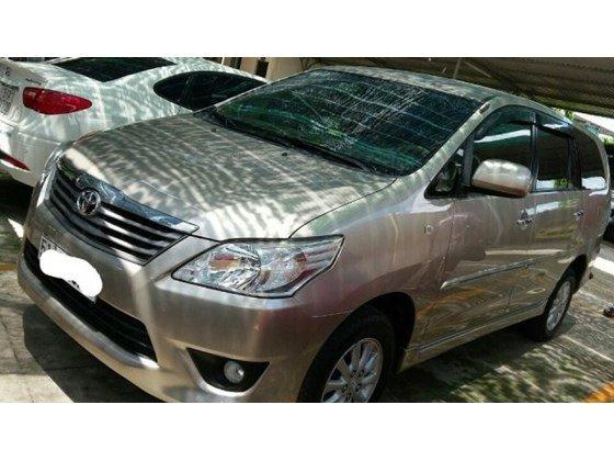 Cần bán Toyota Innova G AT đời 2012, màu vàng, nhập khẩu chính hãng, đẹp như mới-0