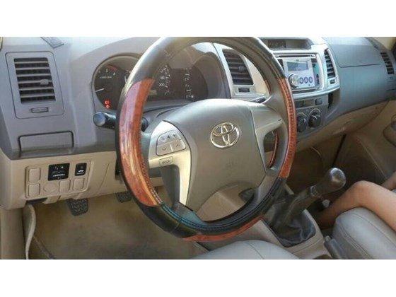 Bán xe Toyota Hilux đời 2012, màu xám, xe nhập-1