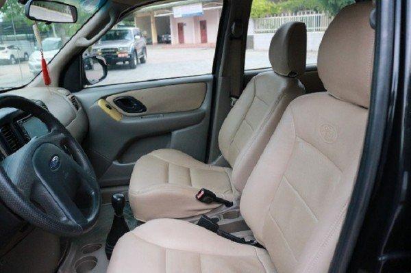 Xe Ford Escape đời 2003, màu đen, số sàn, giá chỉ 290 triệu-3