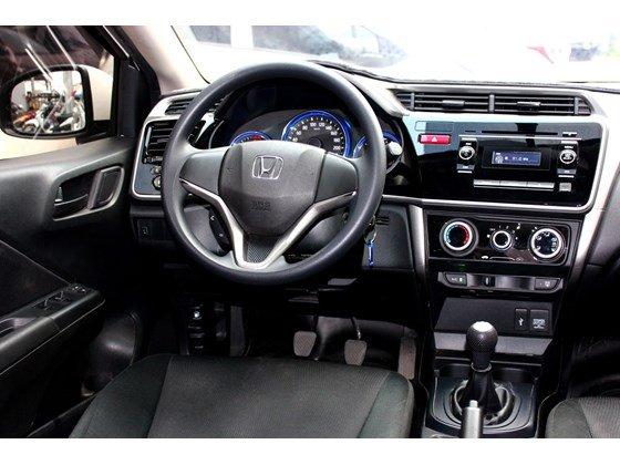Cần bán lại xe Honda City đời 2015, màu trắng, xe nhập, số sàn, 555 triệu-6