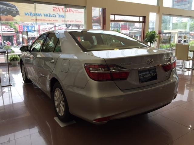 Cần bán Toyota Camry năm 2015, xe đẹp -3