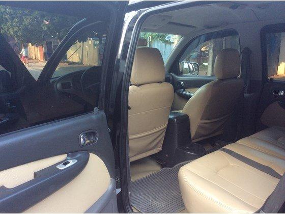 Cần bán gấp Ford Everest 2005, màu đen, xe nhập, số sàn  -5