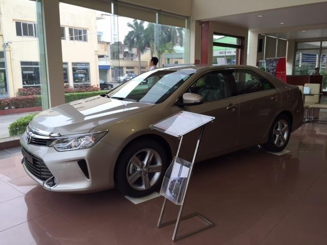Cần bán Toyota Camry năm 2015, xe đẹp -7