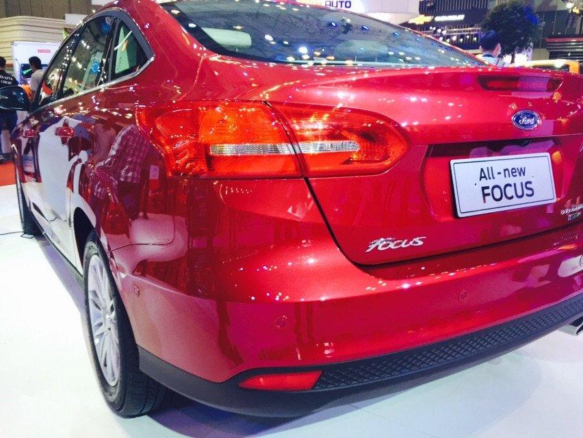 Cần bán xe Ford Focus đời 2015, màu đỏ-5