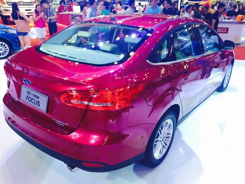 Cần bán xe Ford Focus đời 2015, màu đỏ-4