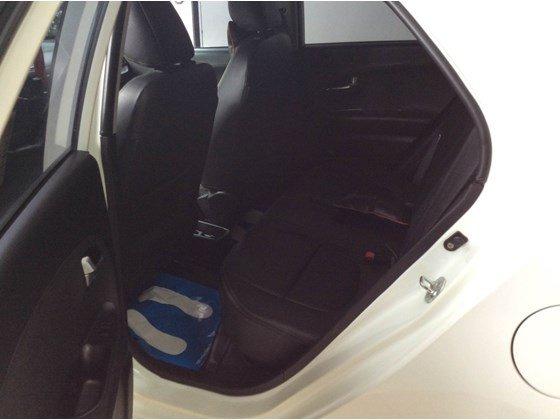 Cần bán Kia Morning đời 2011, màu trắng, xe nhập, số tự động, 398 triệu-2