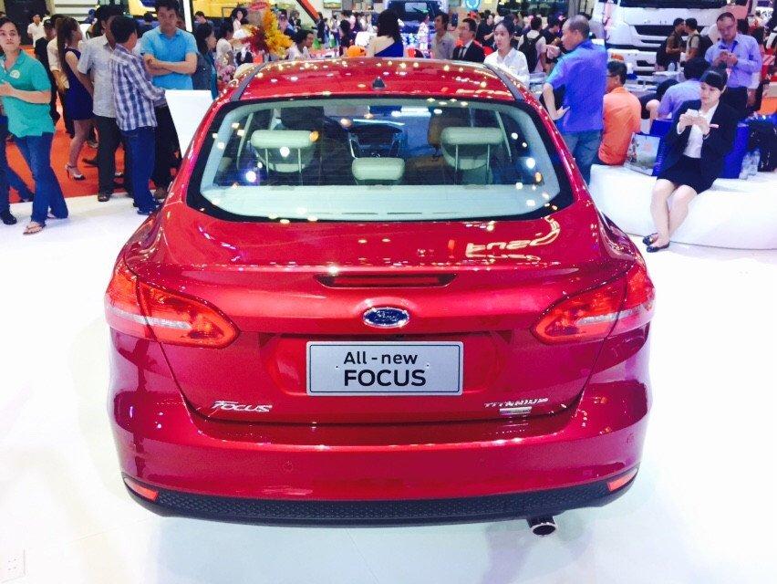 Cần bán xe Ford Focus đời 2015, màu đỏ-3