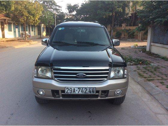 Cần bán gấp Ford Everest 2005, màu đen, xe nhập, số sàn  -1