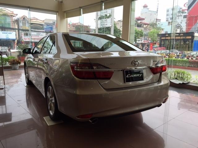 Cần bán Toyota Camry năm 2015, xe đẹp -8