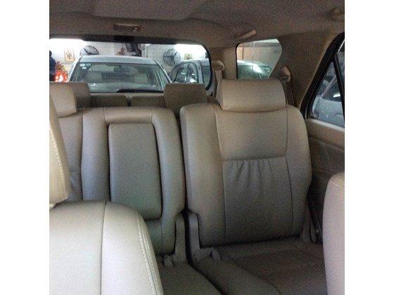 Cần bán lại xe Toyota Fortuner đời 2010, màu bạc, nhập khẩu chính hãng, số sàn-5