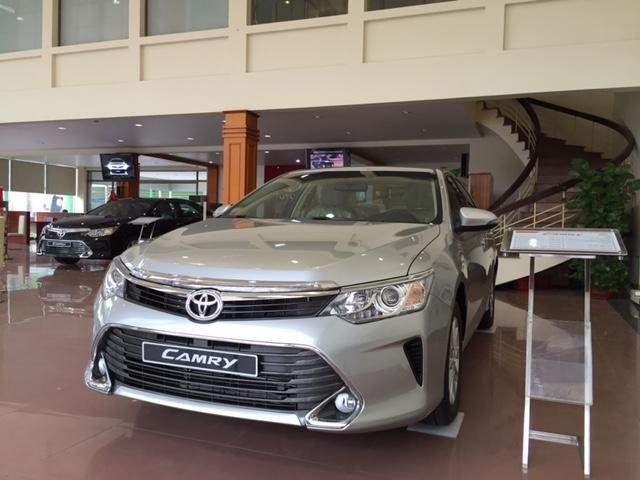 Cần bán Toyota Camry năm 2015, xe đẹp -0