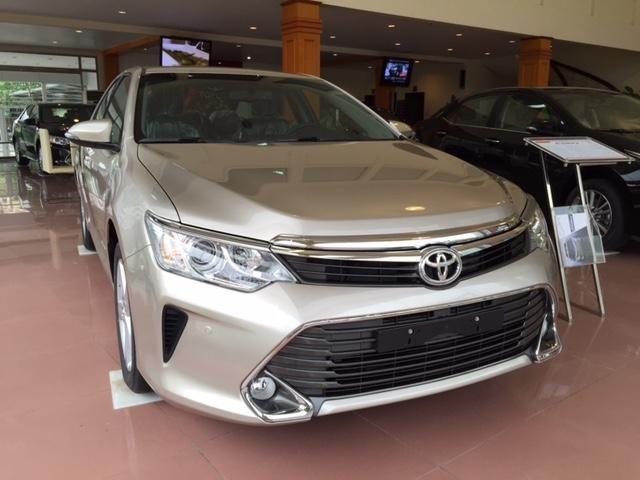 Cần bán Toyota Camry năm 2015, xe đẹp -6