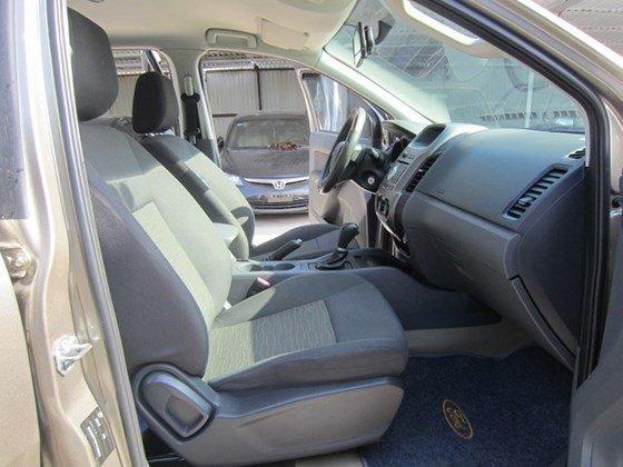 Cần bán xe Ford Ranger đời 2014, nhập khẩu Thái, số tự động-3