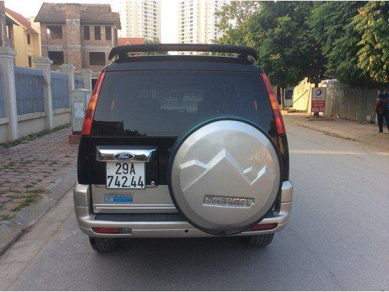 Cần bán gấp Ford Everest 2005, màu đen, xe nhập, số sàn  -3