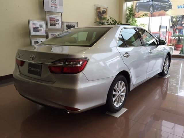 Cần bán Toyota Camry năm 2015, xe đẹp -2