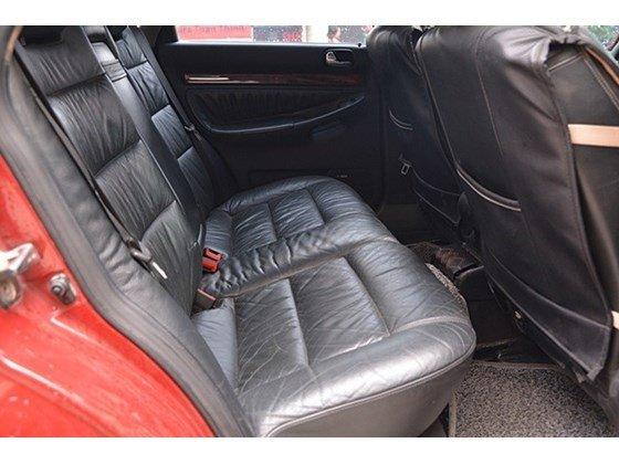 Bán Audi A4 sản xuất 2000, màu đỏ, nhập khẩu chính hãng số sàn, 345tr-9